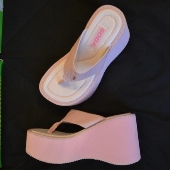 86a5f301b74b4c New SODA Melba Pink Thong Platform Sandals Shoes 9